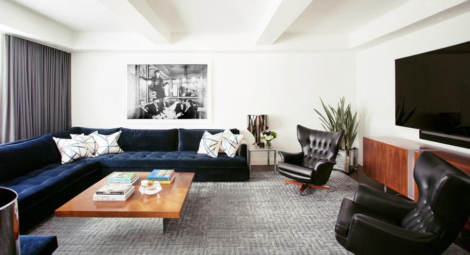 Mid-century-modern-interiors-----B.A.-Torrey-Interiors-----Mid-century-living-room-----LuxDeco.com-Style-Guide